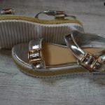 sandalii-zolotie-125
